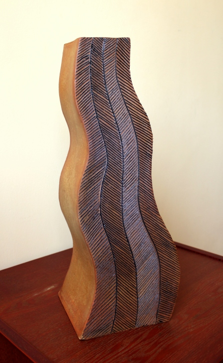 Line Pattern Curvy Vase