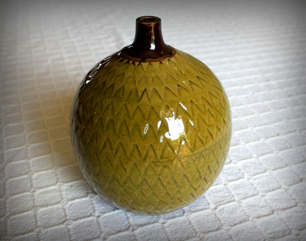 Green globular pot